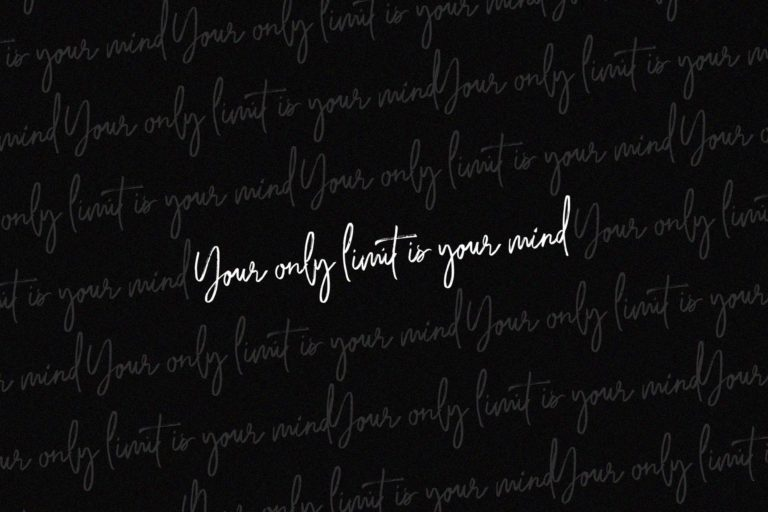 Saturday Lovin Font Collection - VIEW K -